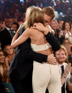 Taylor-Swift-Calvin-Harris-2015-Billboard-Music-Awards